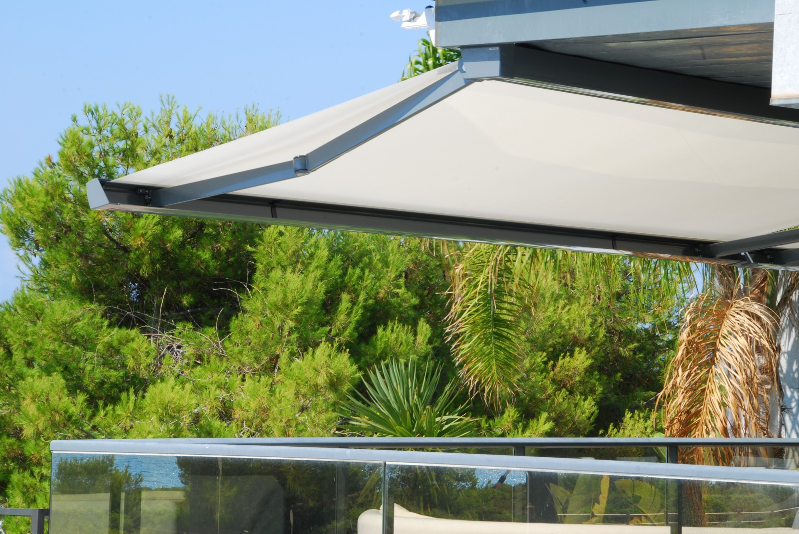 Benefits of Electric Awnings - Awningsouth - Hampshire