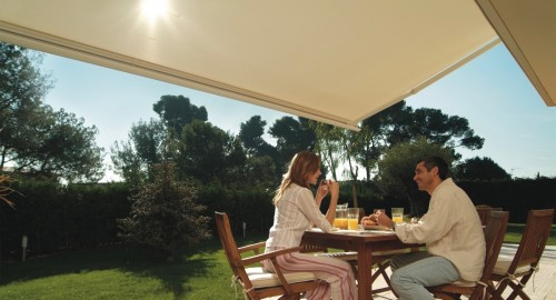 Alfresco Dining - Retractable Awning - Awningsouth