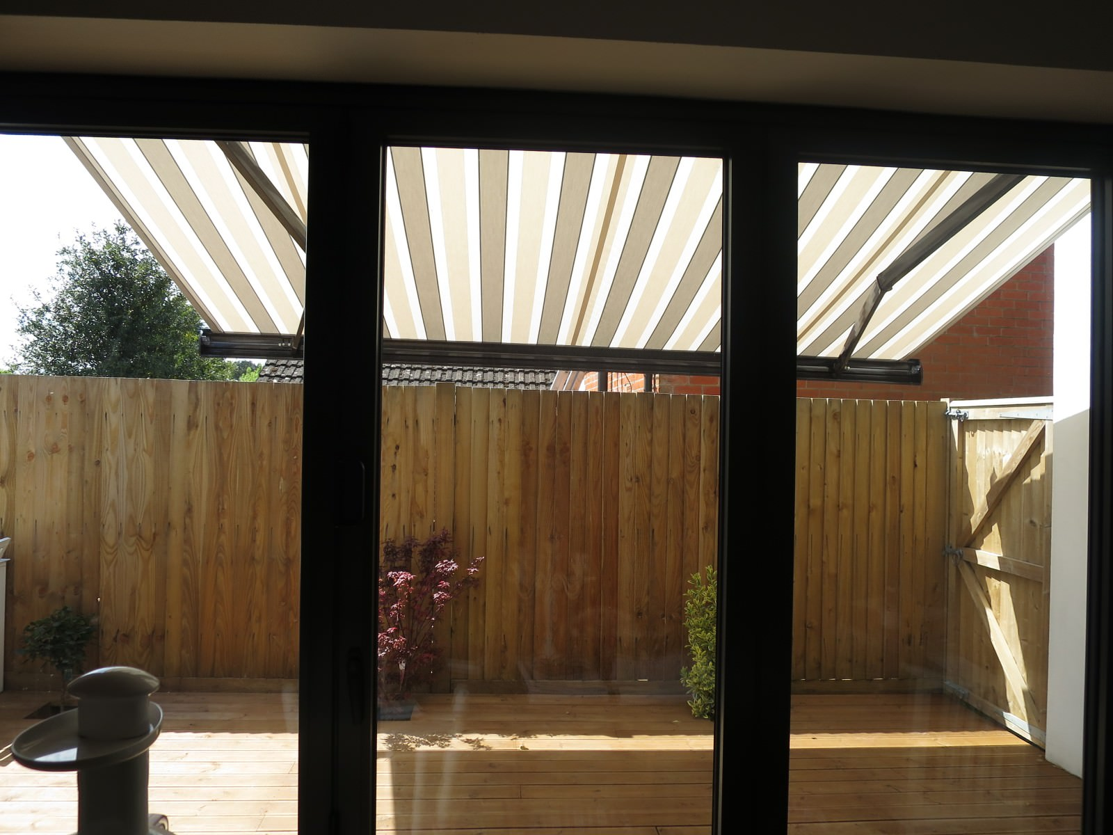 Outdoor Shade - Electric Awning Fitted in Southampton