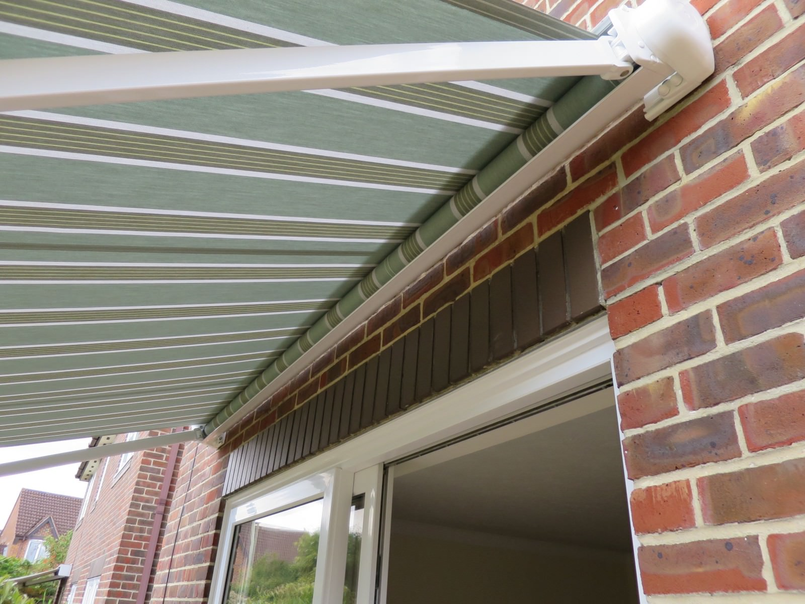 Electric awning fitted in Romsey, Hampshire by Shuttersouth