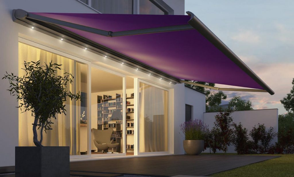 modern retractable awning