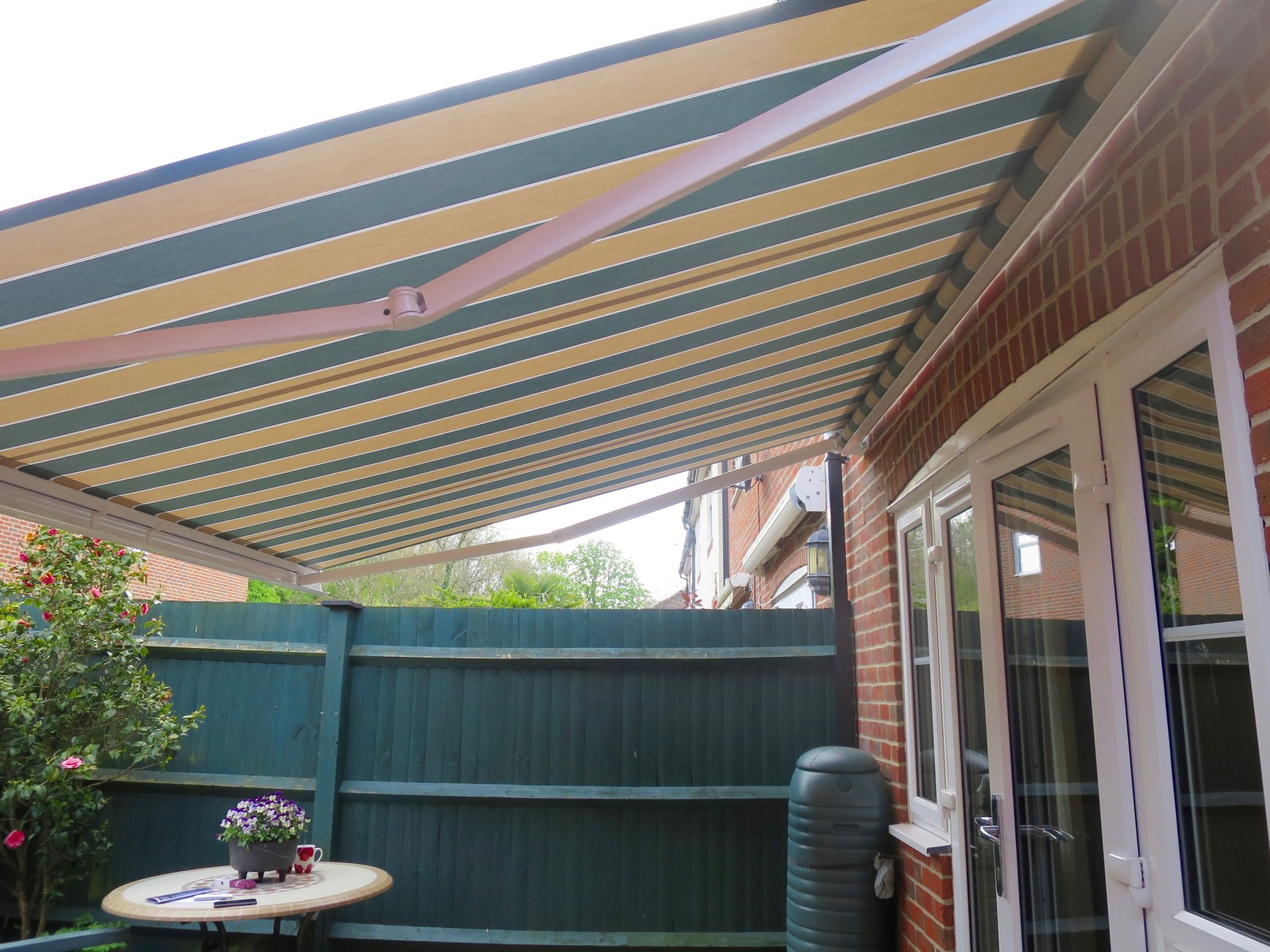 Electric patio awning fitted in romsey awningsouth for Balcony awning