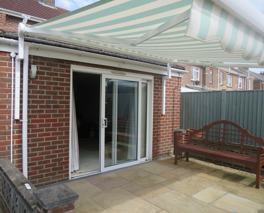 Electric Awnings Hampshire Dorset Surrey Sussex
