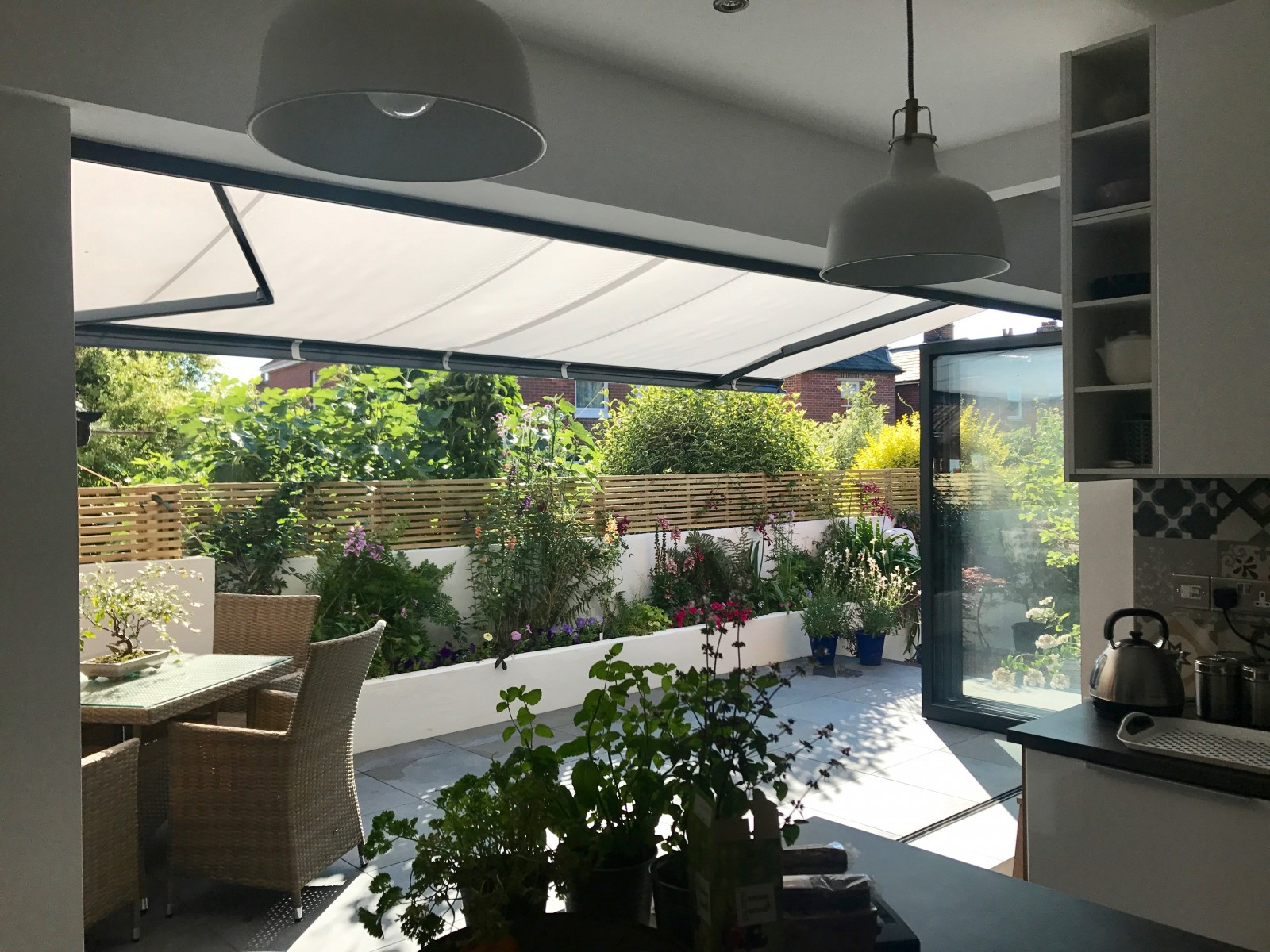 6 Benefits Of Awnings For Bifold Doors