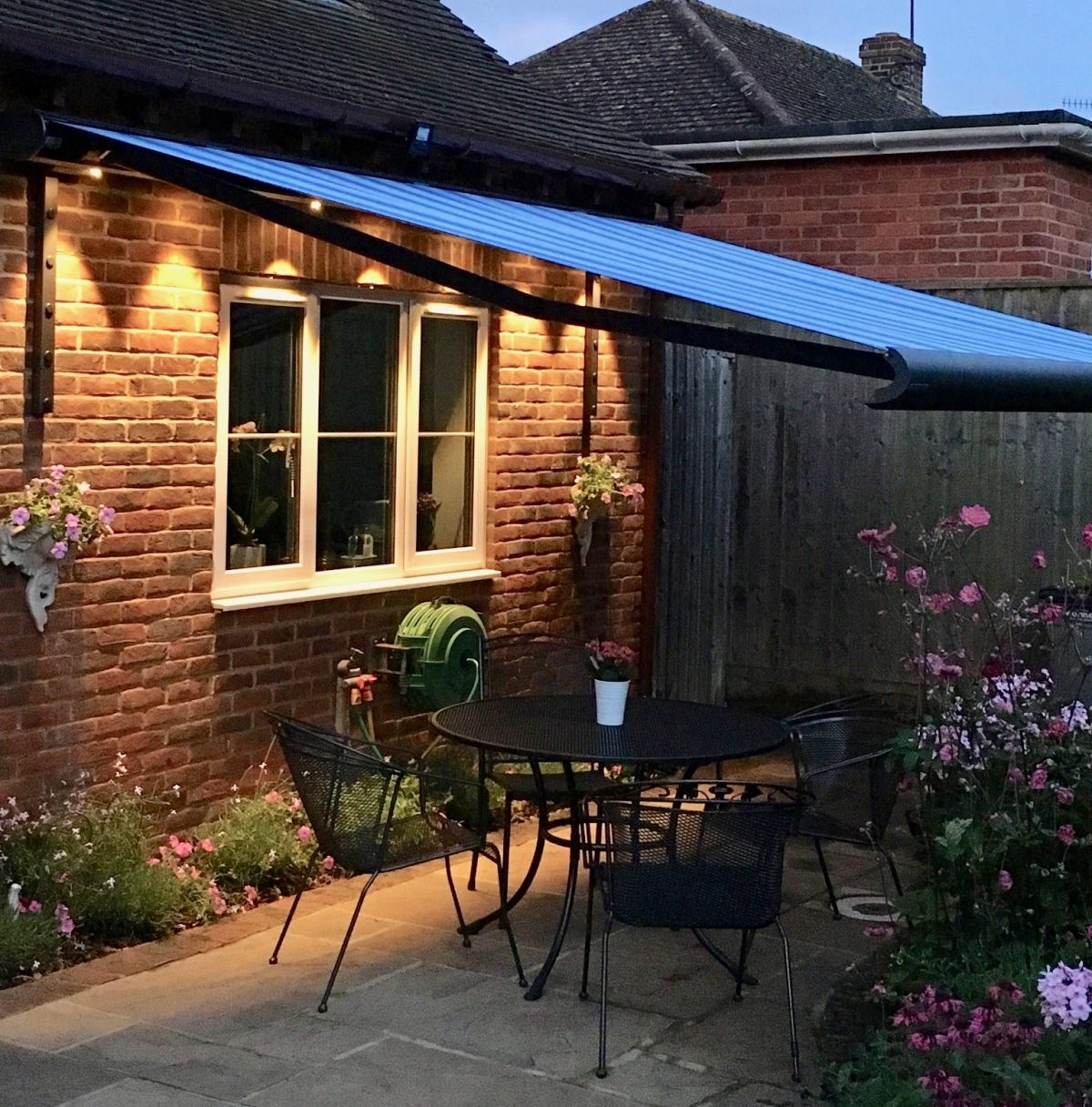 Weinor Opal II Awning Fitted in Salisbury by AwningsouthWeinor Opal II Awning Fitted in Salisbury by Awningsouth - At Night
